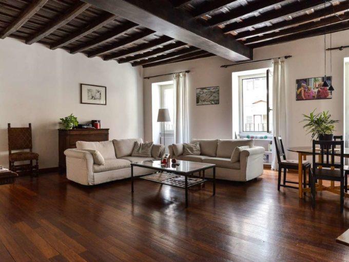 Appartamento in vendita via di San Basilio, Roma