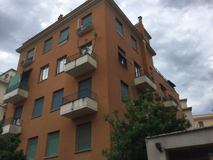 Appartamento in vendita via Pietro Cartoni, Roma
