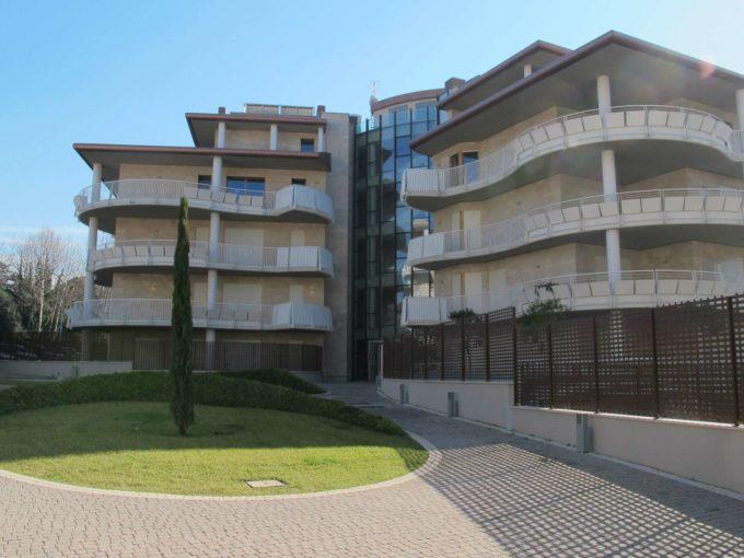 Appartamento in affitto via Odoardo Beccari, Roma
