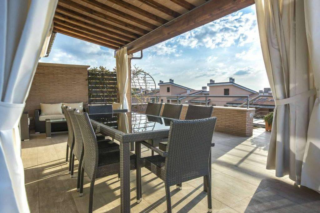 Villa a schiera in affitto via casal lumbroso roma for Annunci affitti roma