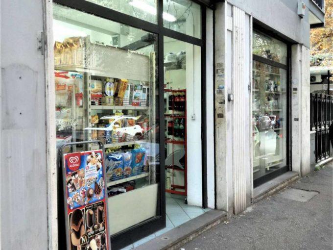 Negozio in vendita via Adolfo Omodeo, Roma