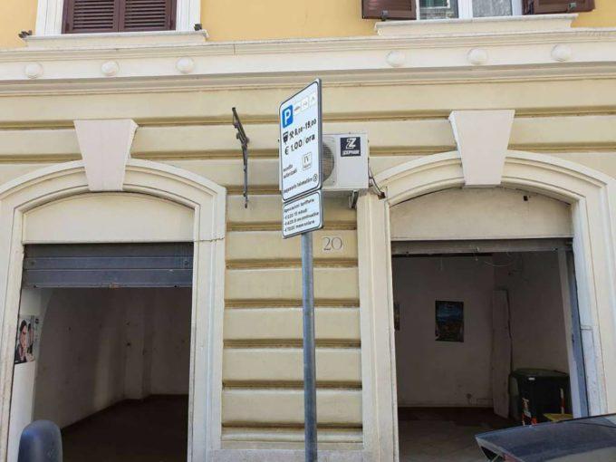 Negozio in affitto via Simeto, Roma