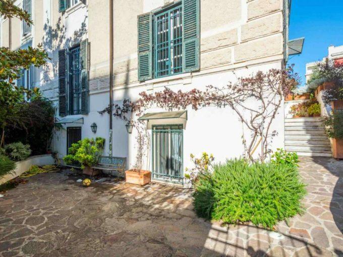 Casa indipendente in vendita, via Cino da Pistoia, Roma