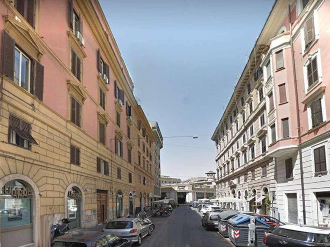 Appartamento in vendita via Messina, Roma