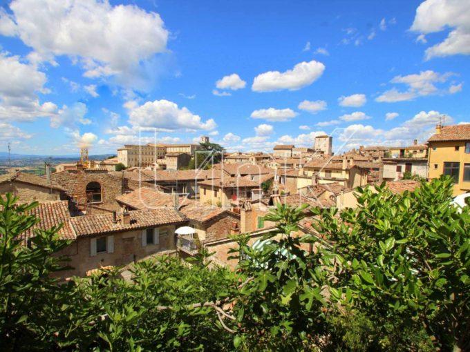 Palazzetto in vendita in via San Quirico, Todi