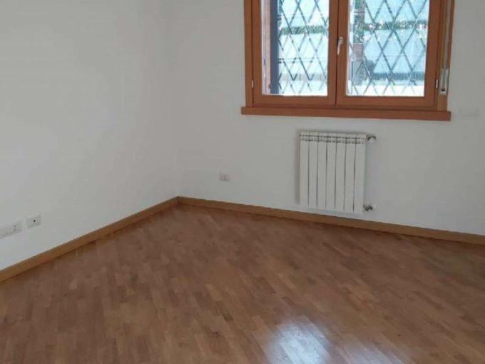 Appartamento in vendita via Francesco Aquilanti, Roma