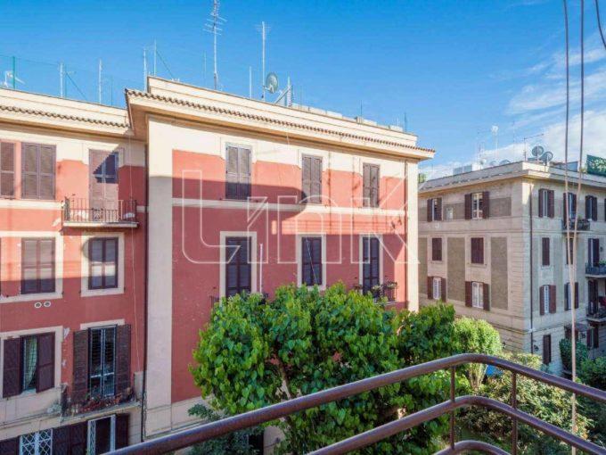 Appartamento in vendita via Paraguay, Roma