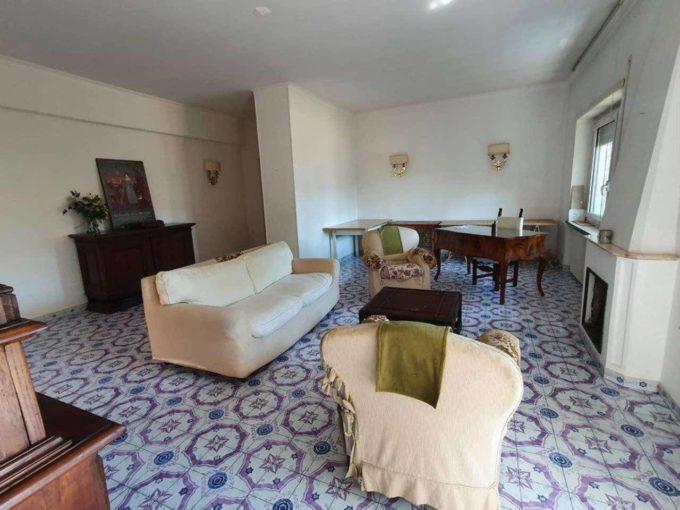 Appartamento in vendita via Cassia, Roma