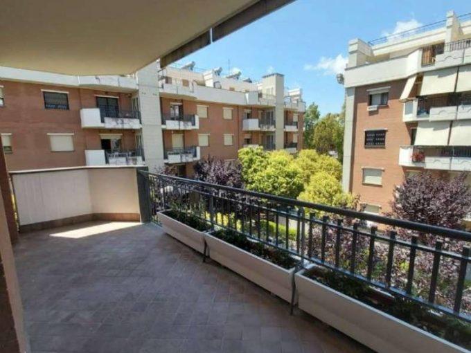 Appartamento in affitto via Francesco Aquilanti, Roma