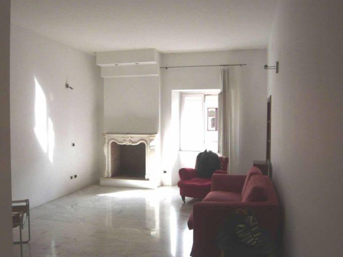 Appartamento in vendita via Calabria, Roma