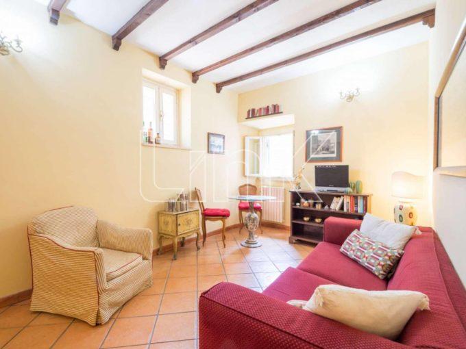 Appartamento in vendita via del Conservatorio, Roma
