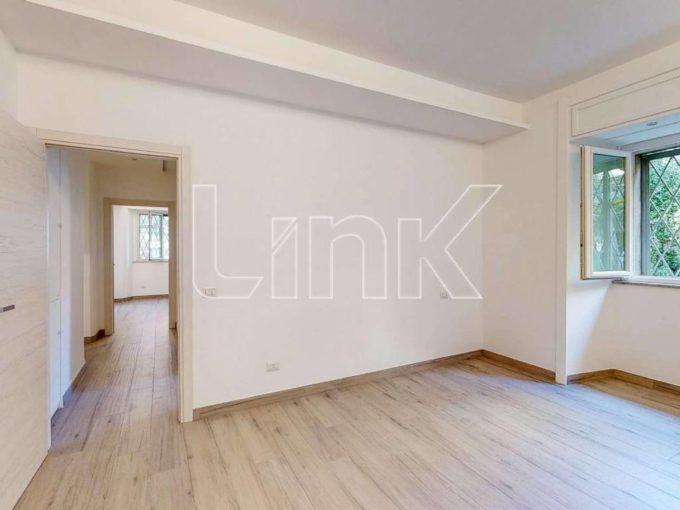 Appartamento in vendita via di Villa Ada, Roma