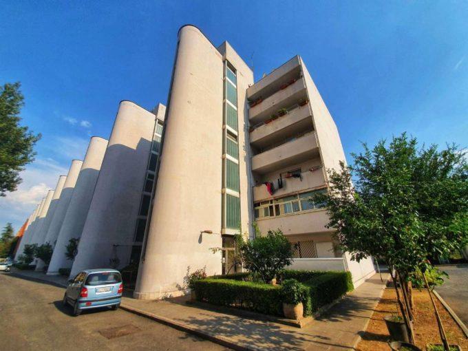 Appartamento in vendita via Locke, Roma
