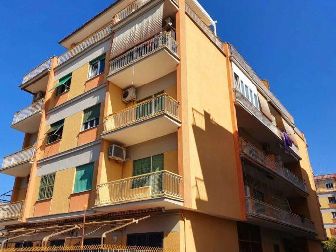 Appartamento in vendita via Giuseppe Rosati, Roma