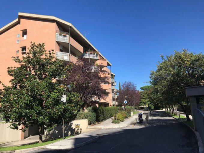 Appartamento in affitto via Enrico Glori, Roma