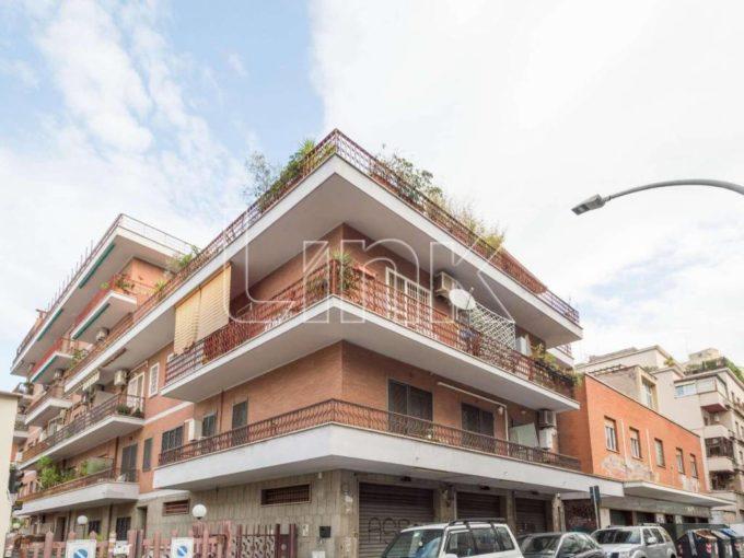 Appartamento in vendita via Michele Amari, Roma