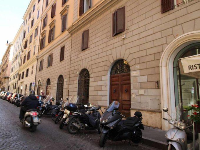 Magazzino in affitto via Palermo, Roma