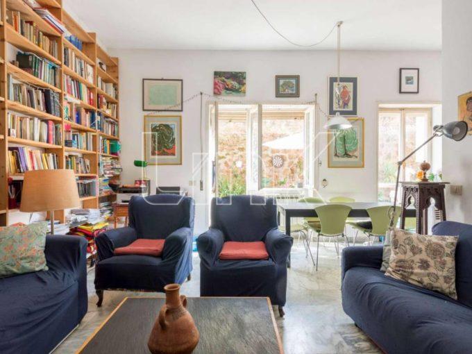 Appartamento in vendita via Giulio Tarra, Roma