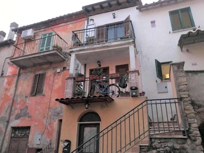 Appartamento in vendita via Troilo Savelli, Cretone