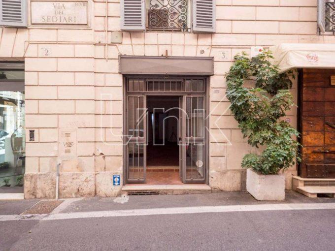 Negozio in via dei Sediari, Roma