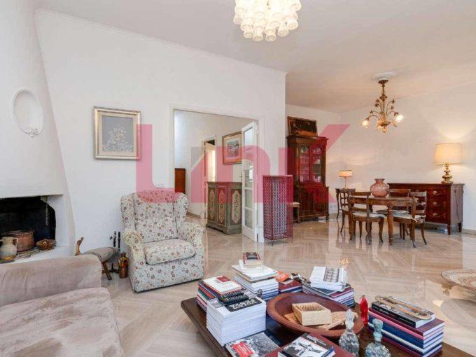 Appartamento in vendita via Montecristo, Roma