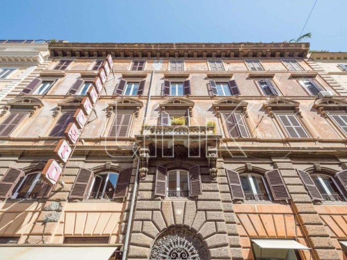 Appartamento in vendita via Sicilia, Roma
