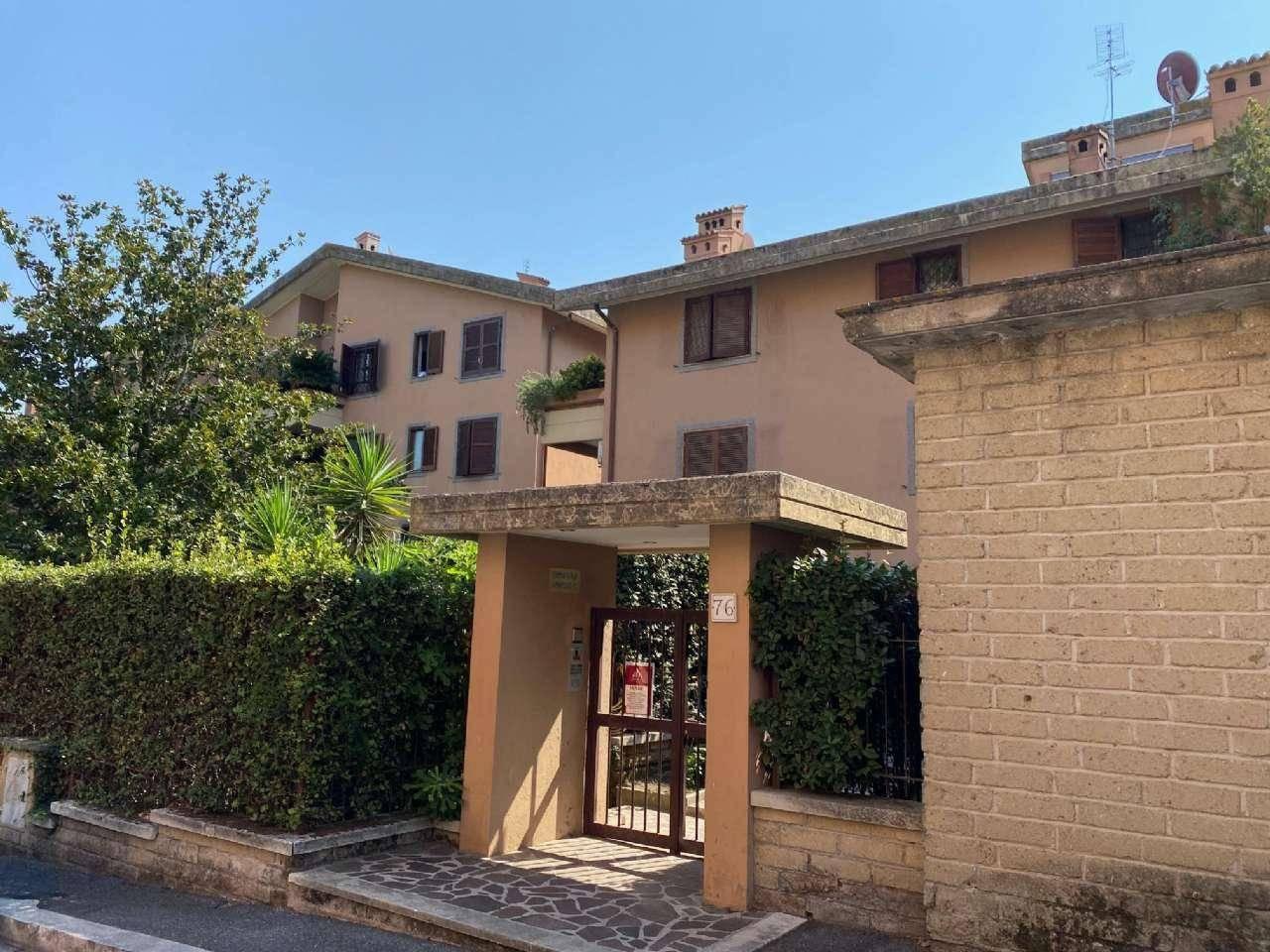 Appartamento in vendita via Domenico Falcioni, Roma