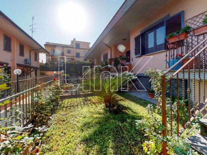 villa a schiera  in vendita via Cassero, Roma