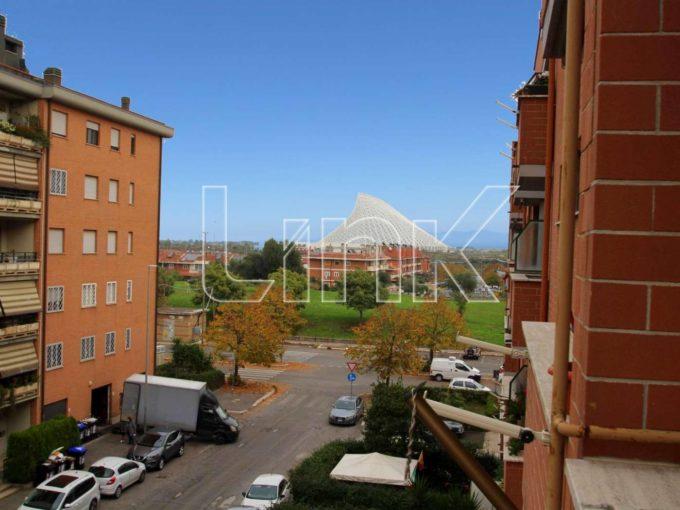Appartamento in vendita via Volpicelli, Roma