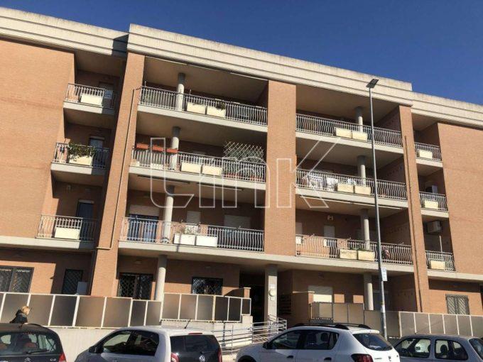 Appartamento in affitto via Raf Vallone, Roma