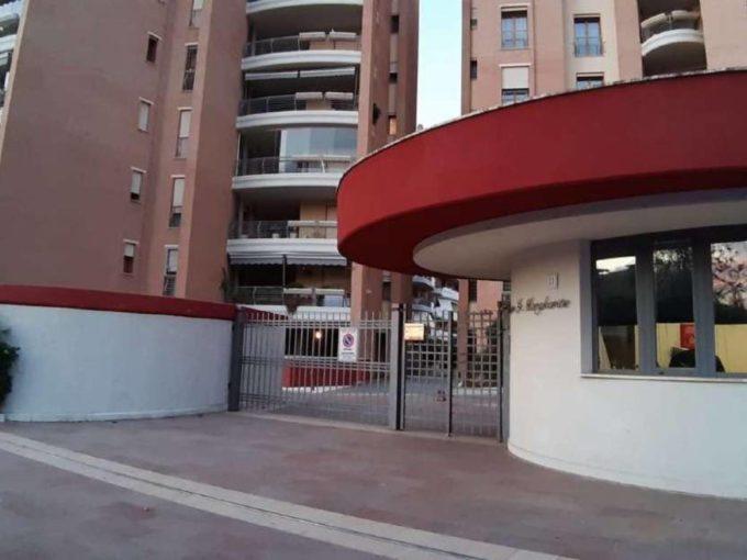 Appartamento in vendita via Riccardo Bacchelli, Roma