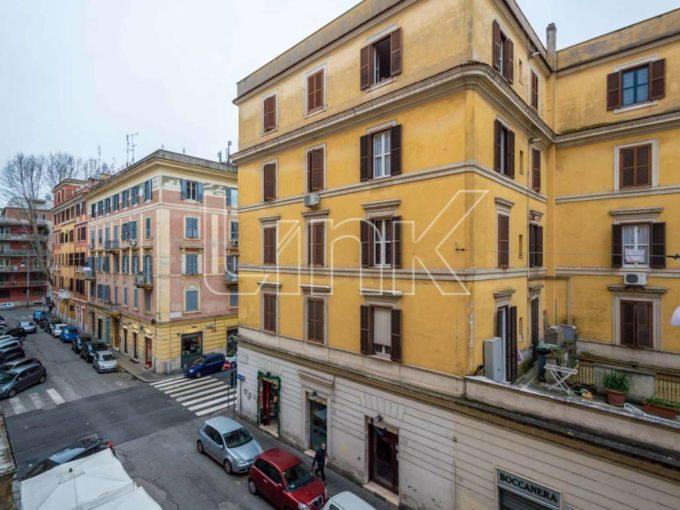 Appartamento in vendita via Luca Robbia, Roma