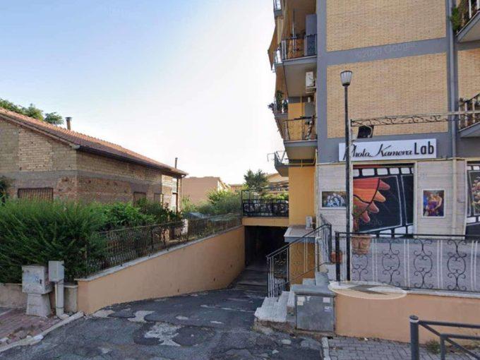 Box in vendita via Mura dei Francesi, Ciampino