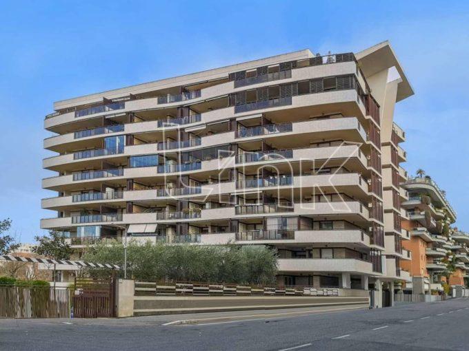 Appartamento in vendita via Amsterdam, Roma
