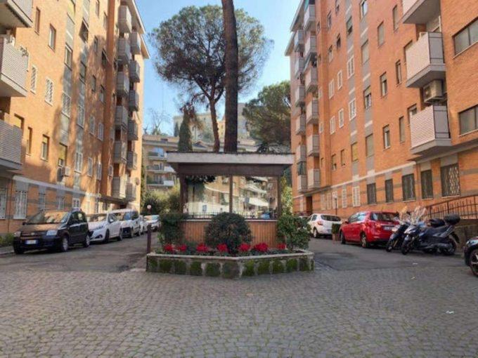 Appartamento in vendita via Angelo Emo, Roma