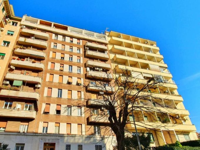 Appartamento in vendita Via Vetulonia, Roma