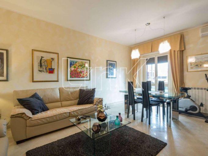 Appartamento in vendita via Alfonso Alberghetti, Roma