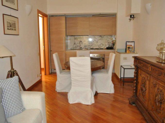 Appartamento in affitto via Sicilia, Roma
