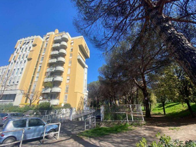 Appartamento in vendita via Adolfo Consoloni, Roma