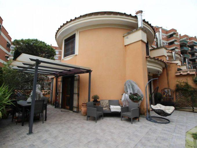 Villino indipendente in affitto via Laurentina, Roma