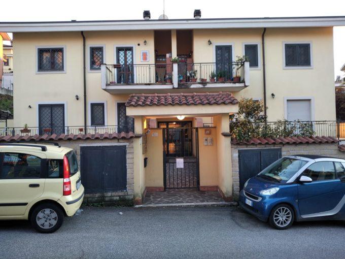 Appartamento in vendita via Verginia Tonelli, Roma