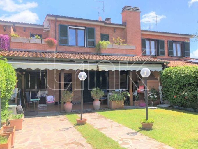 Villa in vendita via Ermanno Wolf Ferrari, Roma