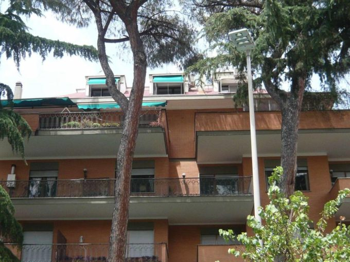 Appartamento in affitto via Bradano, Roma