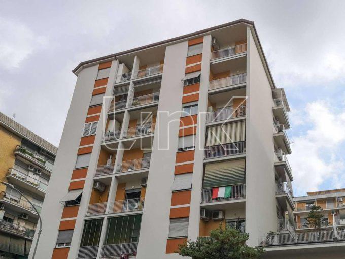 Appartamento in vendita via Tuscolana, Roma